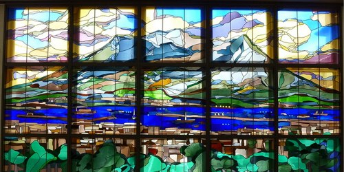 Stained%20glass%20at%20Kagoshima-chuo%20station