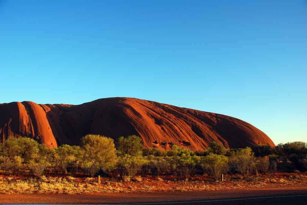 Uluru by robertpaulyoung