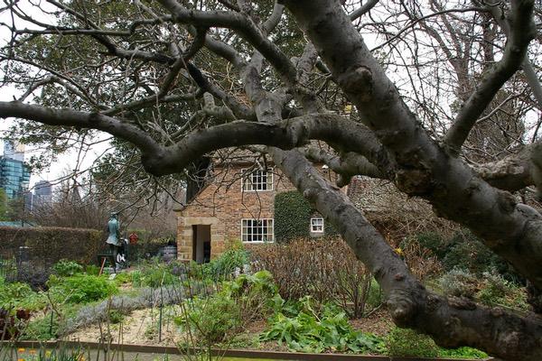 /wp-content/uploads/2017/06/australia005.jpgStill in Fitzroy's Gardens
