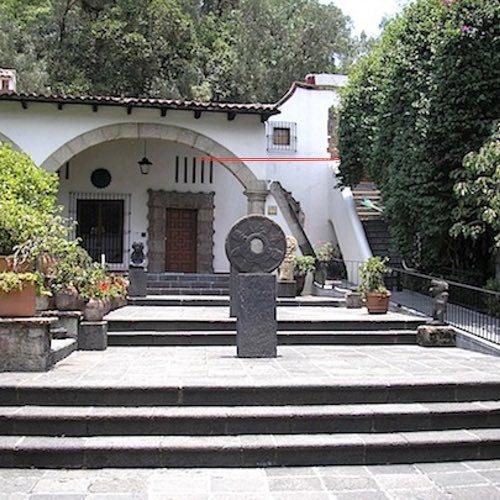 Exploring the Museo Dolores Olmedo in Xochimilco, Mexico City