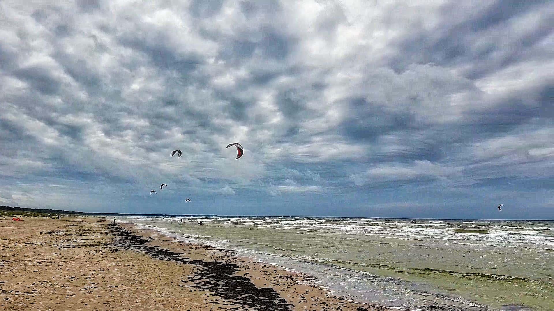 Kitesurfing Liepaja city beach