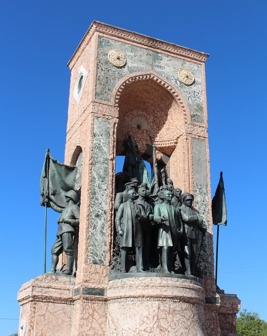 22 Must See Places in Istanbul - Taksim Square monument