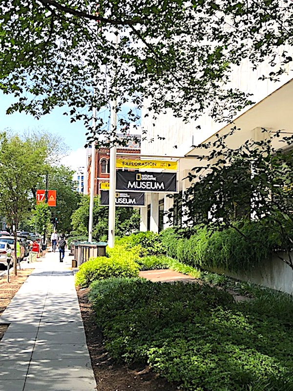 The entrance to the National Geographic Museum