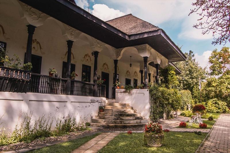 Conacul Bellu Romanian Wine Road